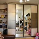 Шкаф-купе с комбинированными дверями