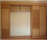 Шкаф с вставками из бамбука