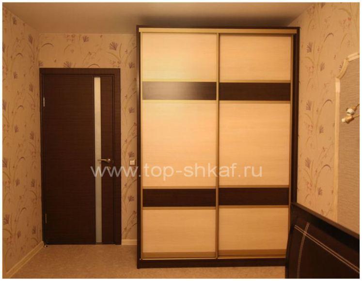 Шкаф-купе в спальню с комбинированными фасадами