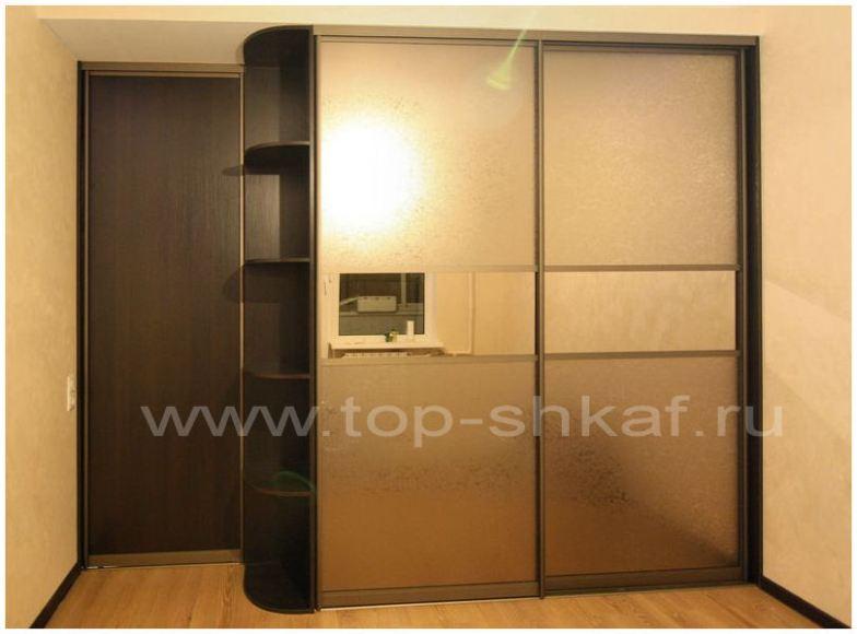 Шкаф-купе в спальню с декоративным зеркалом Уади