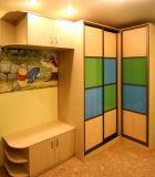 Шкаф-купе с цветным стеклом Оракал