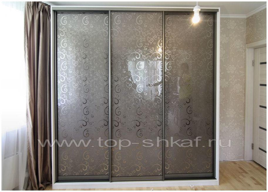 Встроенный шкаф-купе с декоративным зеркалом Винтаж