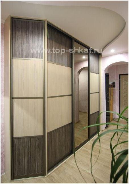 Встроенный зеркальный шкаф-купе